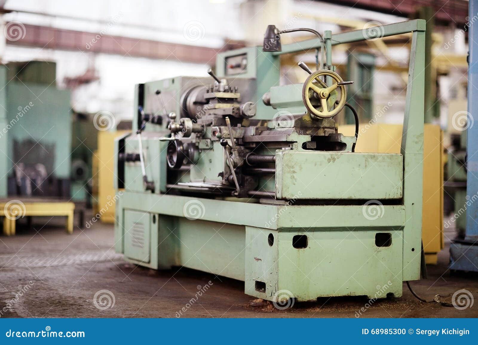 Maquinaria de torneado del equipo