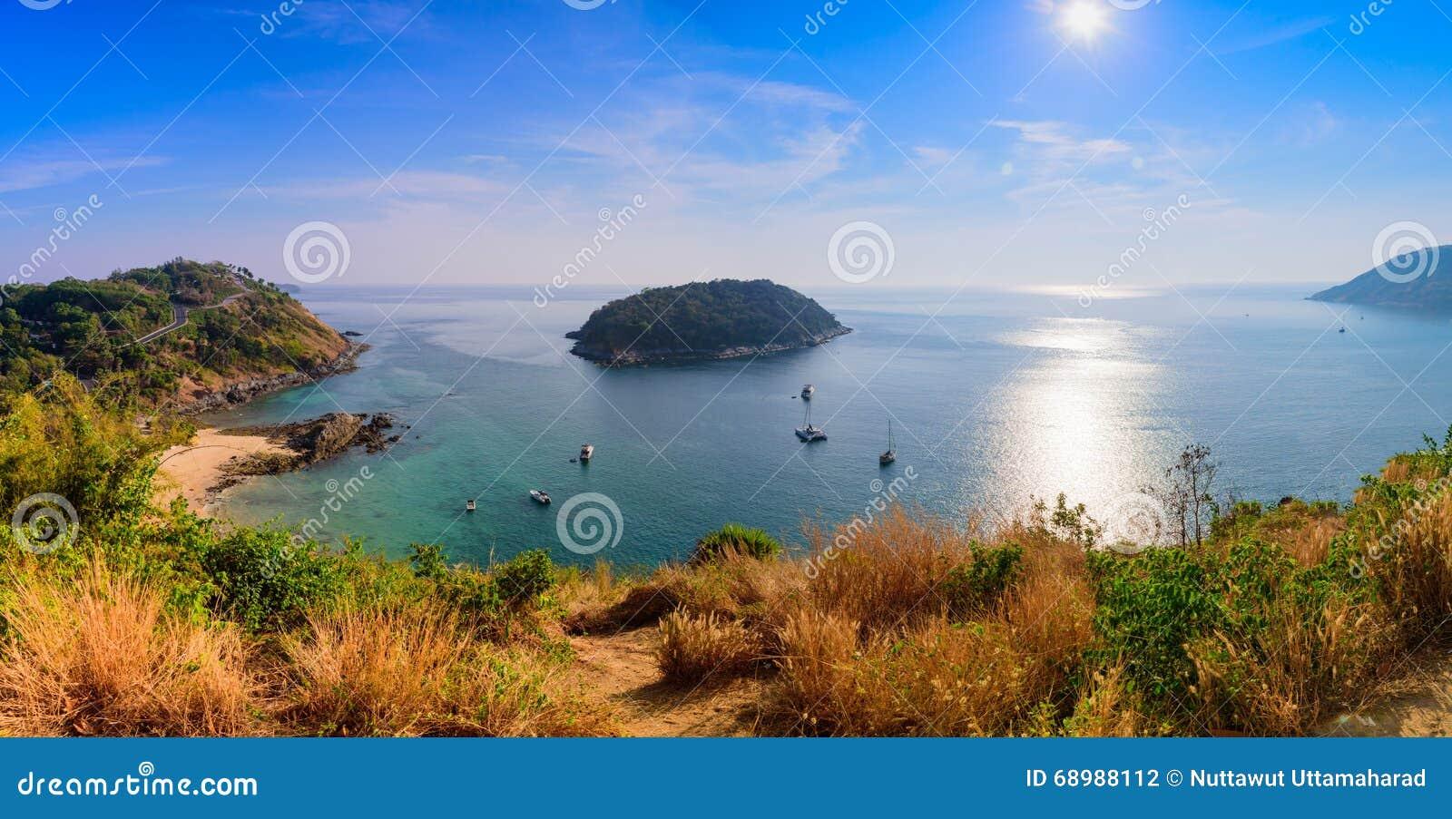 Mar de andaman del punto de vista del panorama en Phuket