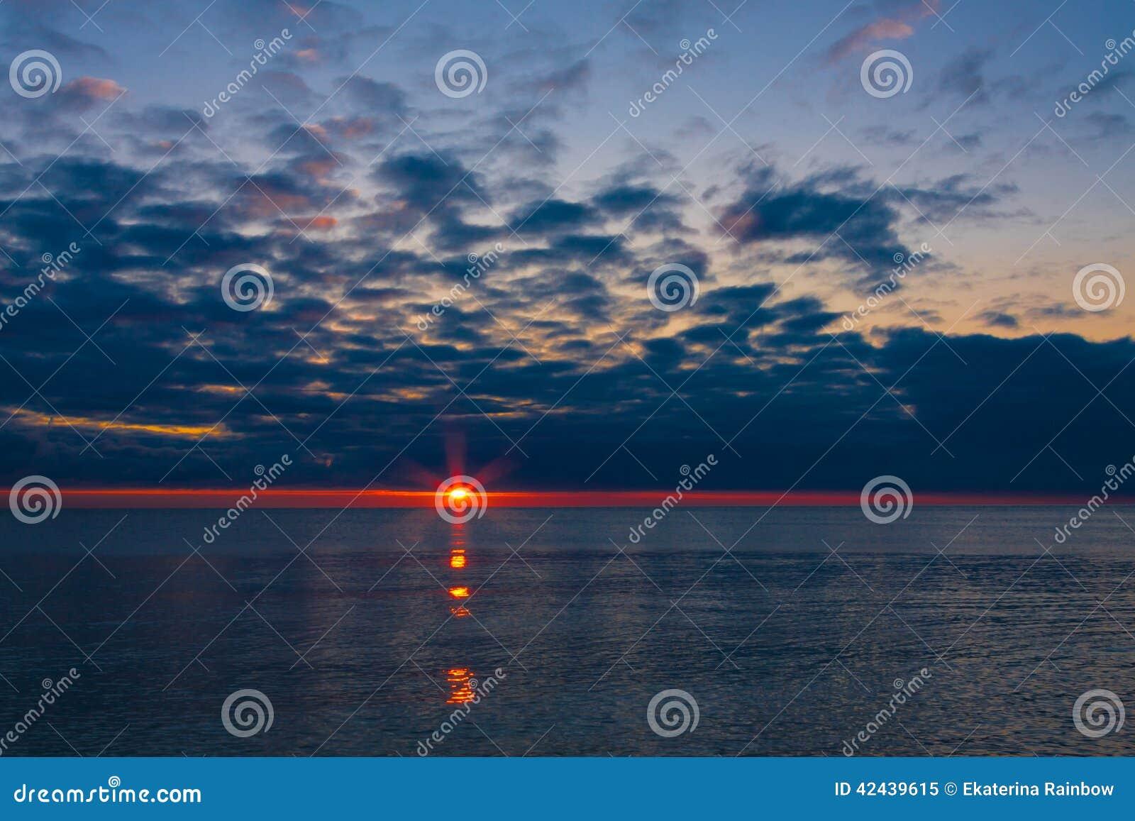 Mar de la puesta del sol