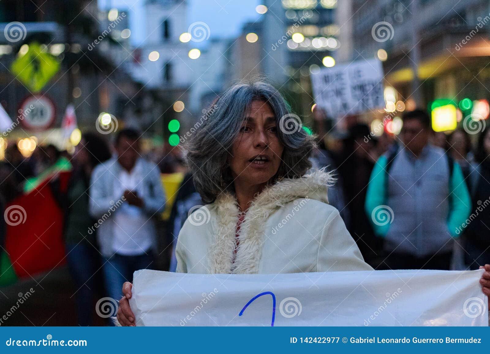 18 Mar 2019 - Marzec dla obrony JEP, Specjalna jurysdykcja dla pokoju Bogotà ¡ Kolumbia