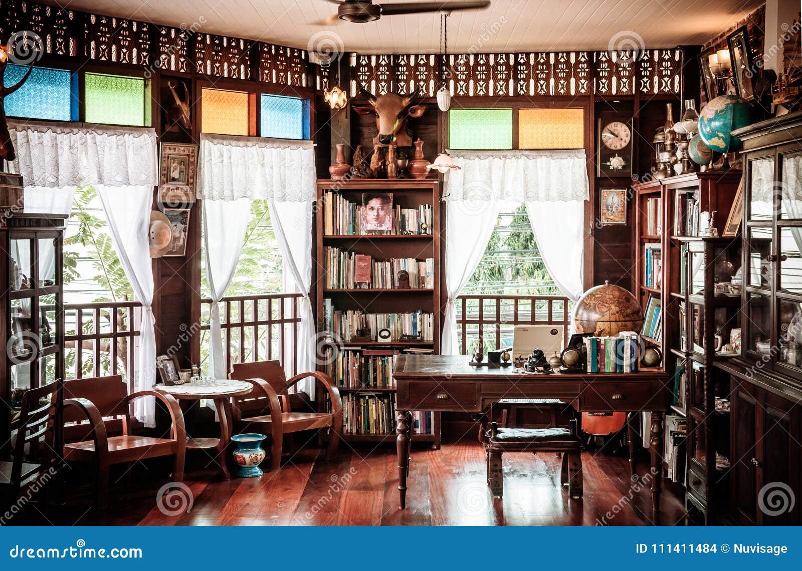 rustic wooden vintage furniture country house interior. Black Bedroom Furniture Sets. Home Design Ideas