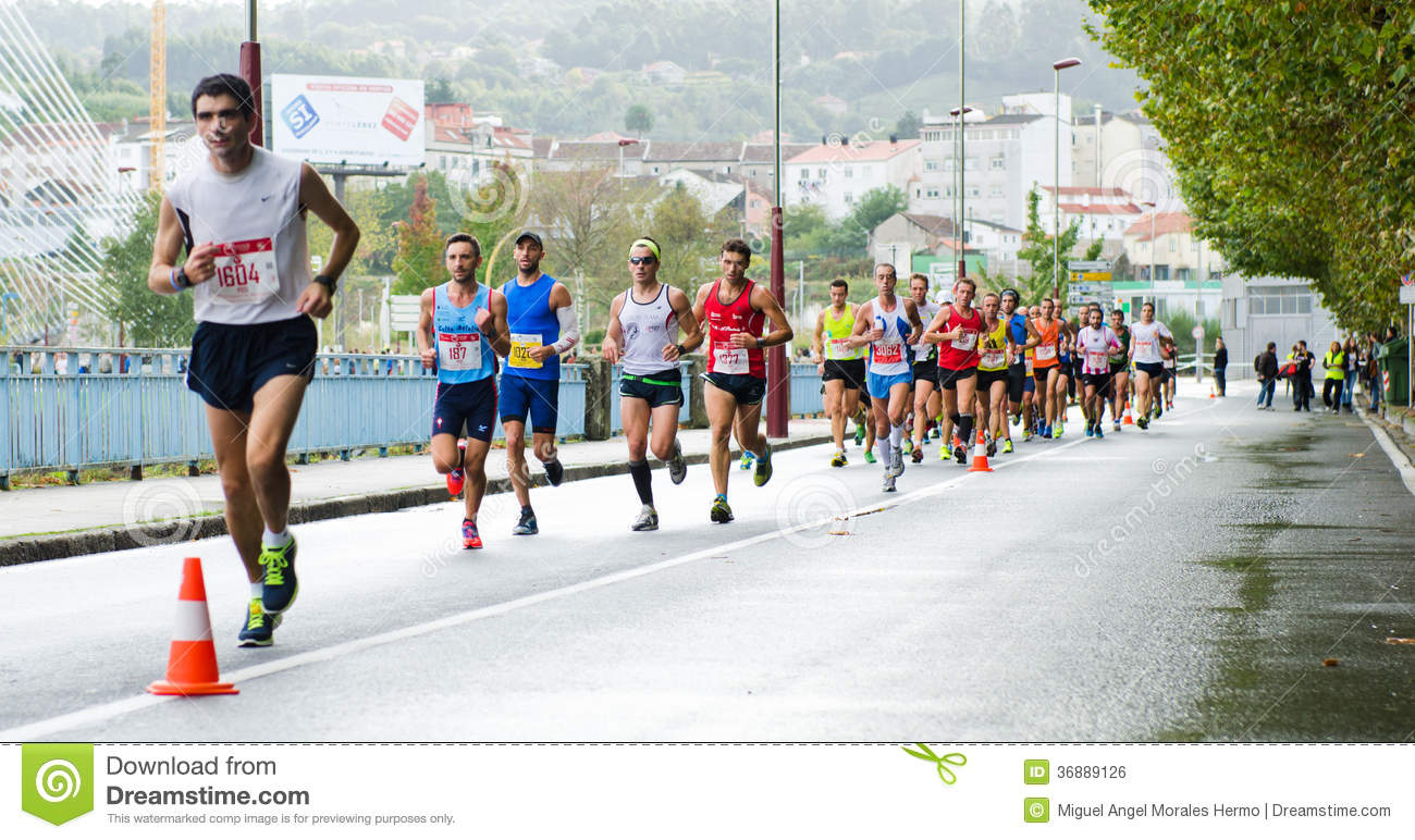 Download Maratona urbana fotografia editoriale. Immagine di città - 36889126