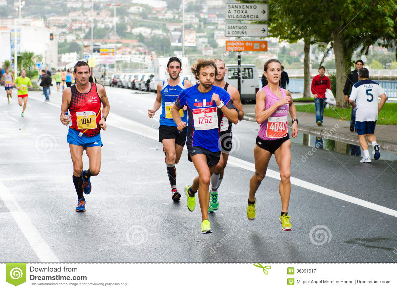 Download Maratona urbana fotografia editoriale. Immagine di concorrenza - 36891517