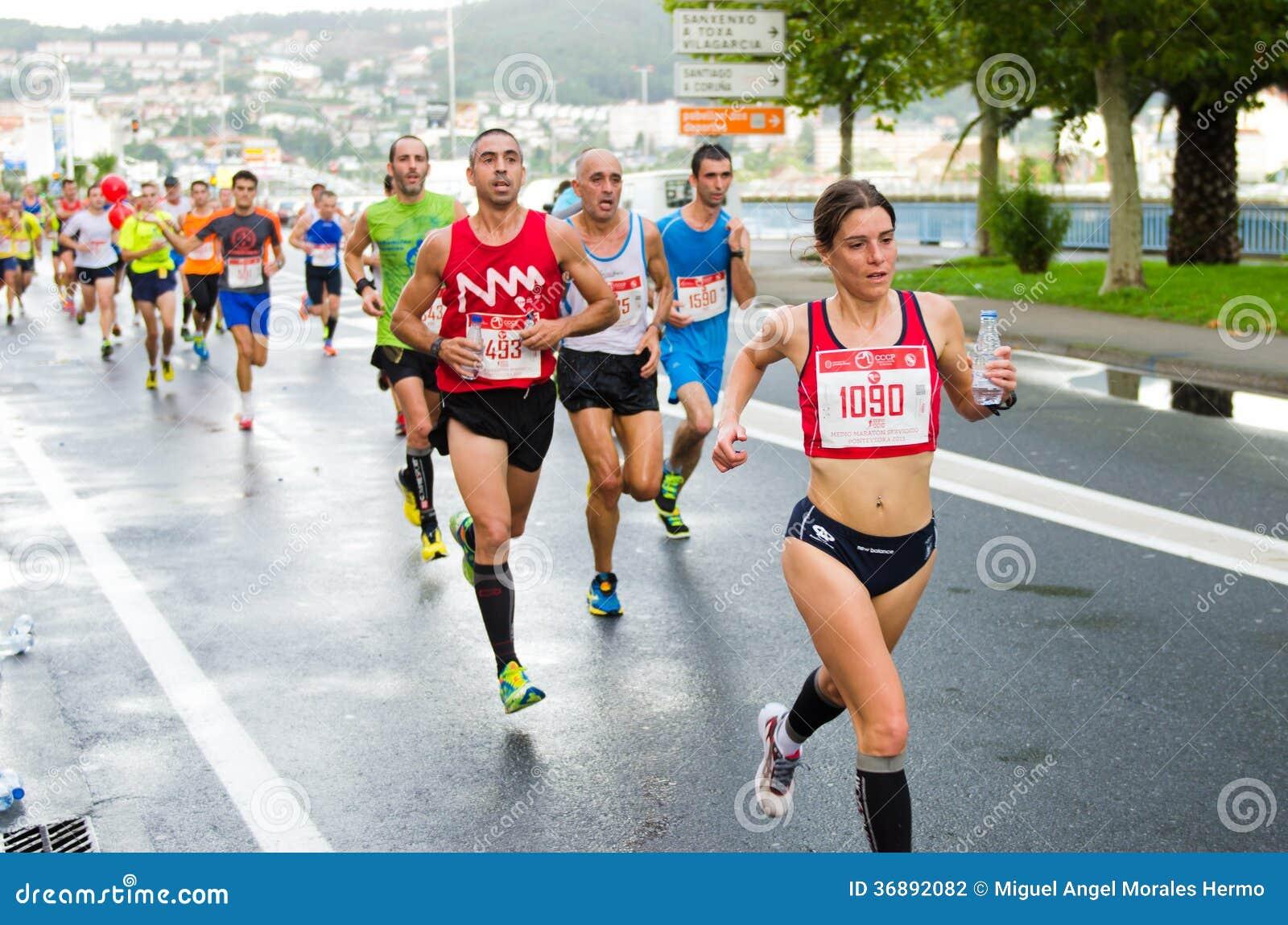 Download Maratona urbana fotografia editoriale. Immagine di città - 36892082