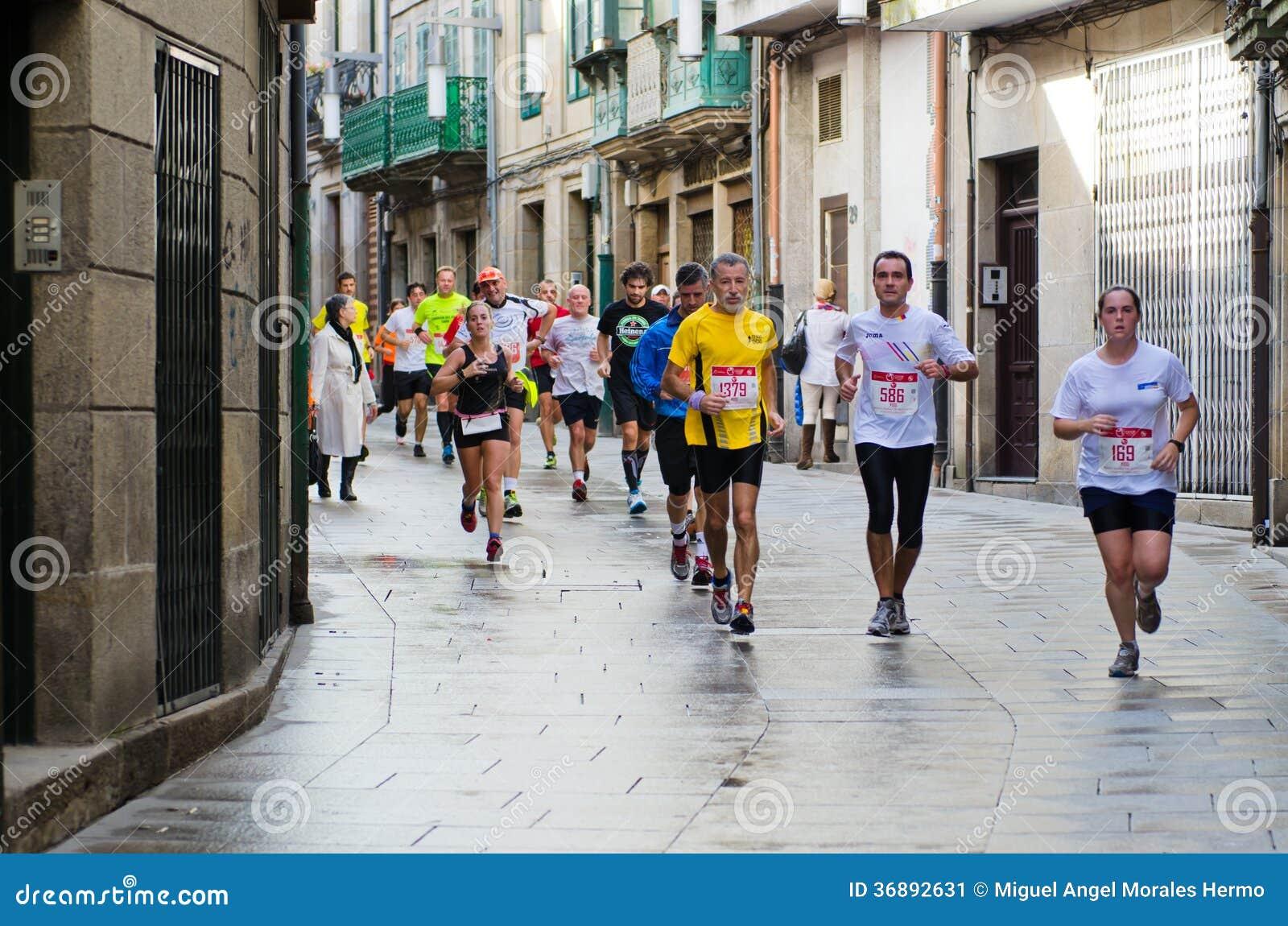 Download Maratona urbana fotografia editoriale. Immagine di spain - 36892631