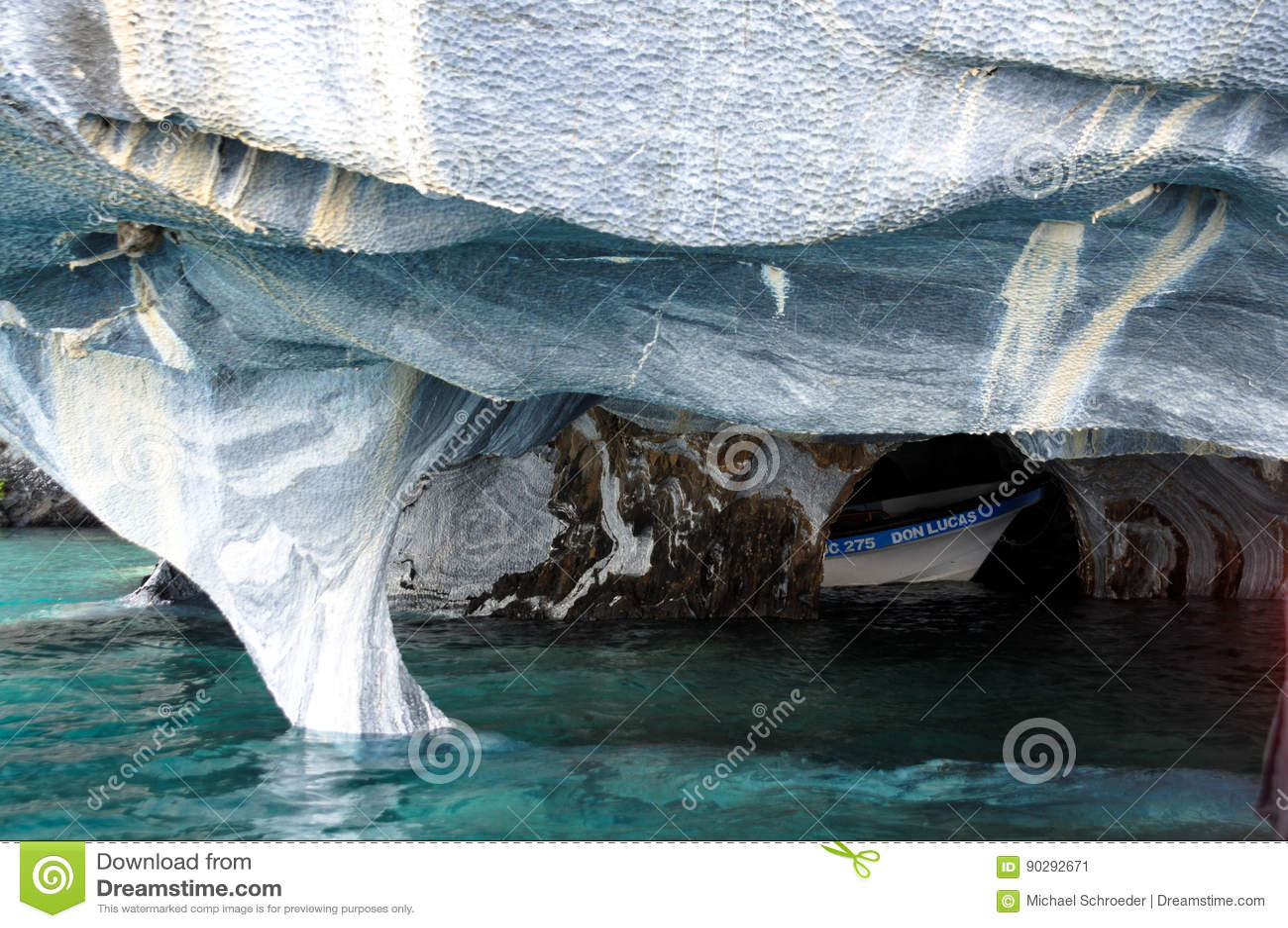 Asia Carrera Marble marble caves of lake general carrera editorial photo - image