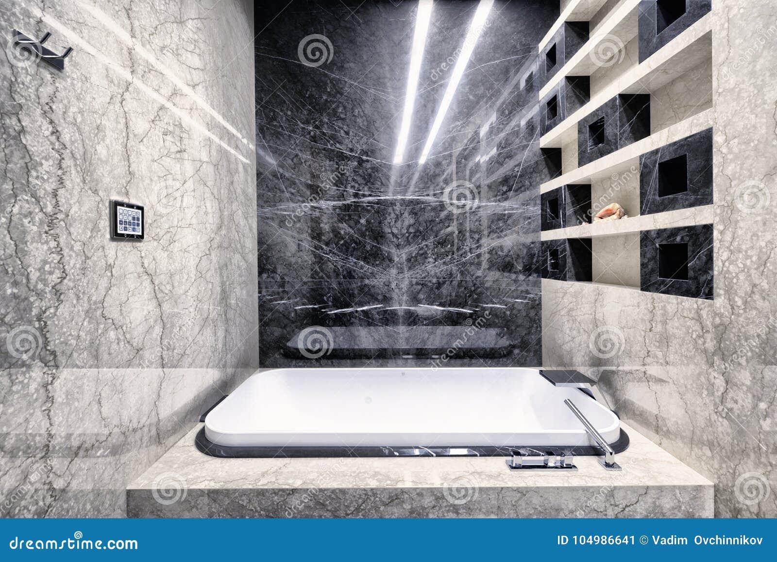 Marbre Noir Et Blanc à L\'intérieur D\'une Salle De Bains Moderne Dans ...