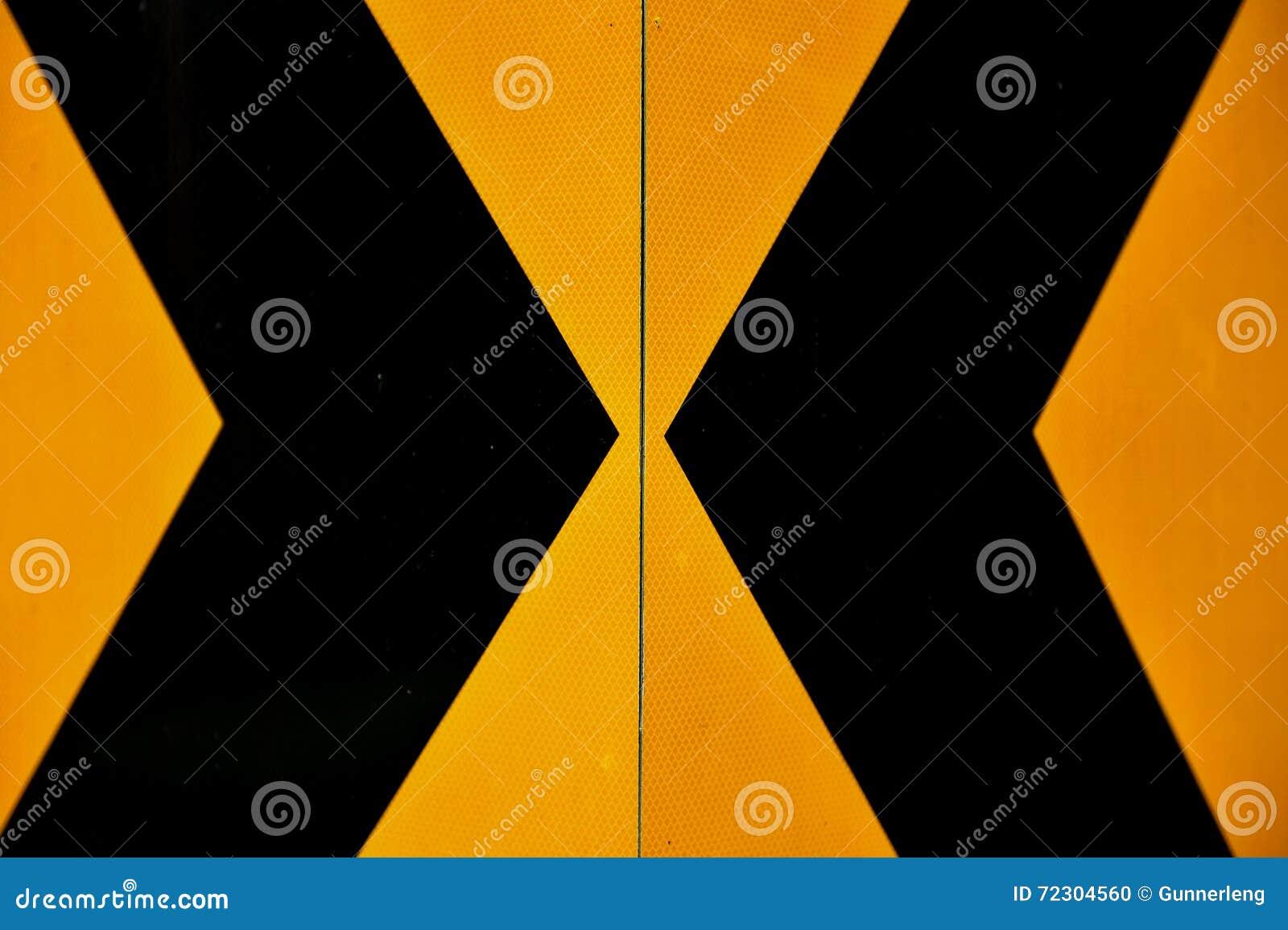 Marcação amarela e preta