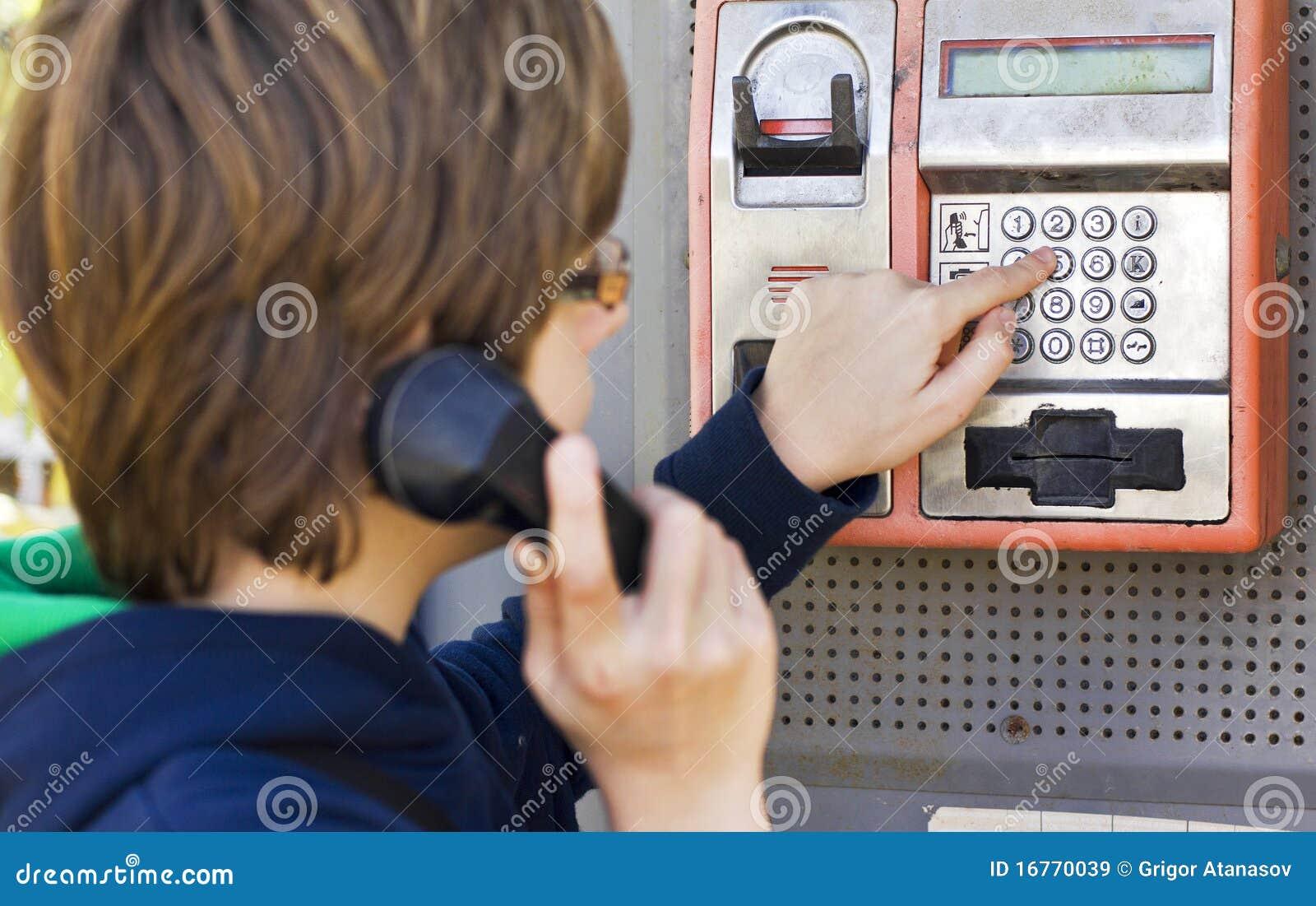 Marca de un número en un teléfono de paga