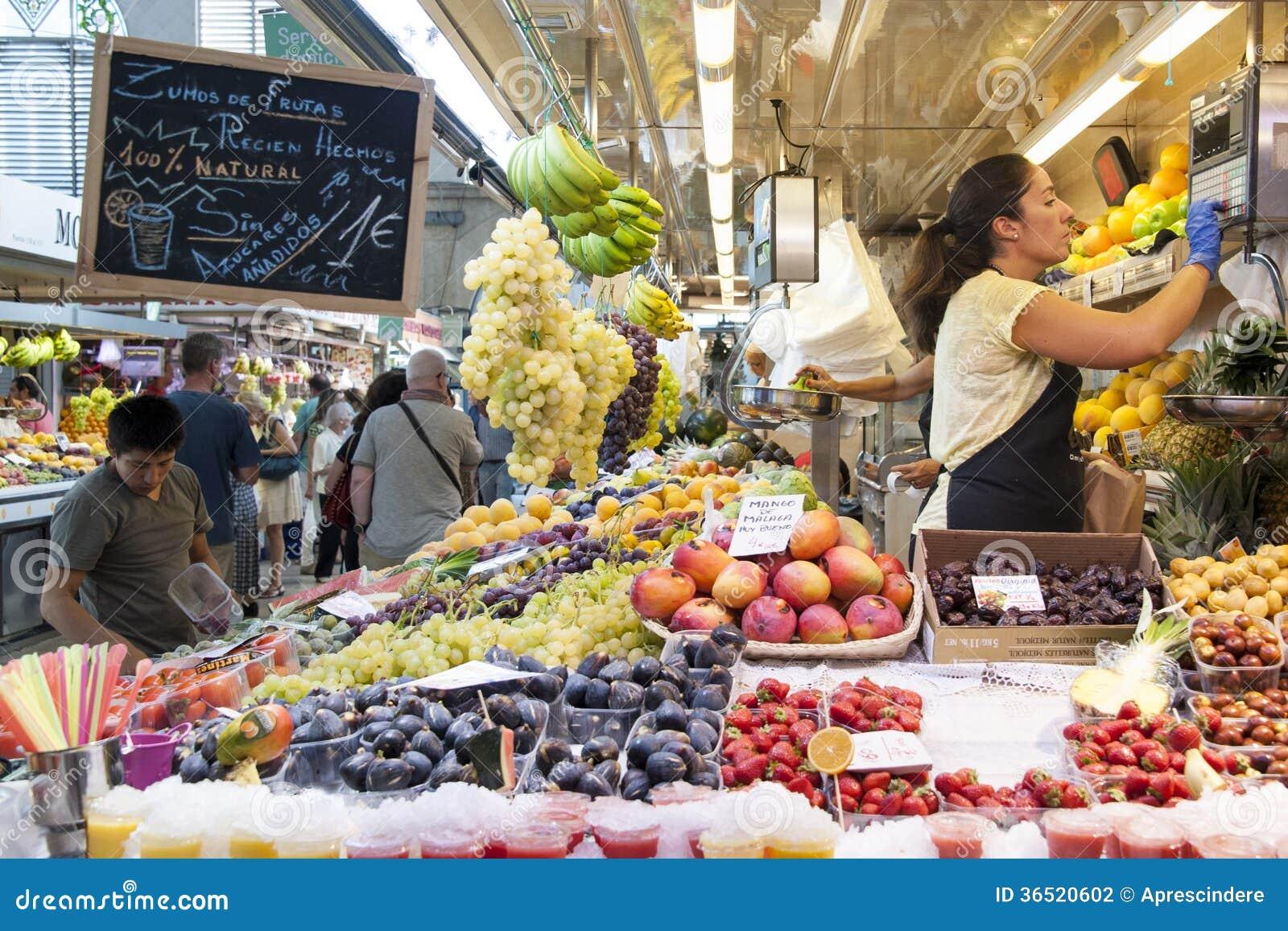 Marché de fruit à Valence - en Espagne