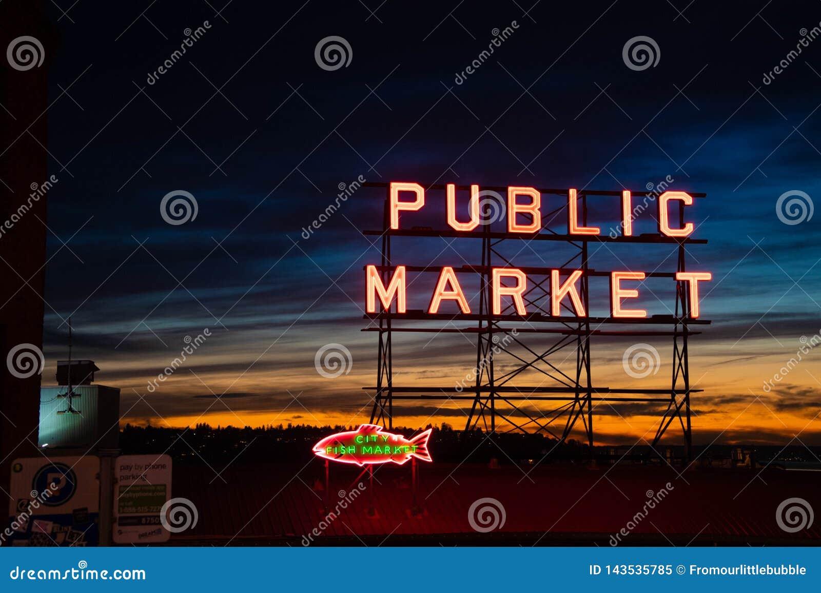 Marché de place de Pike au coucher du soleil