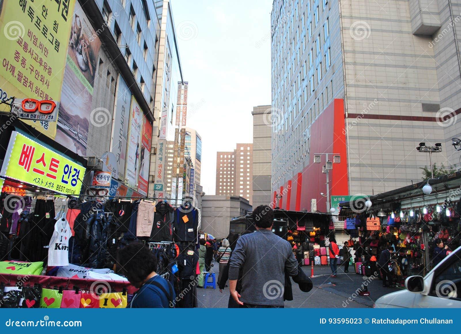 Marché de rue à Séoul