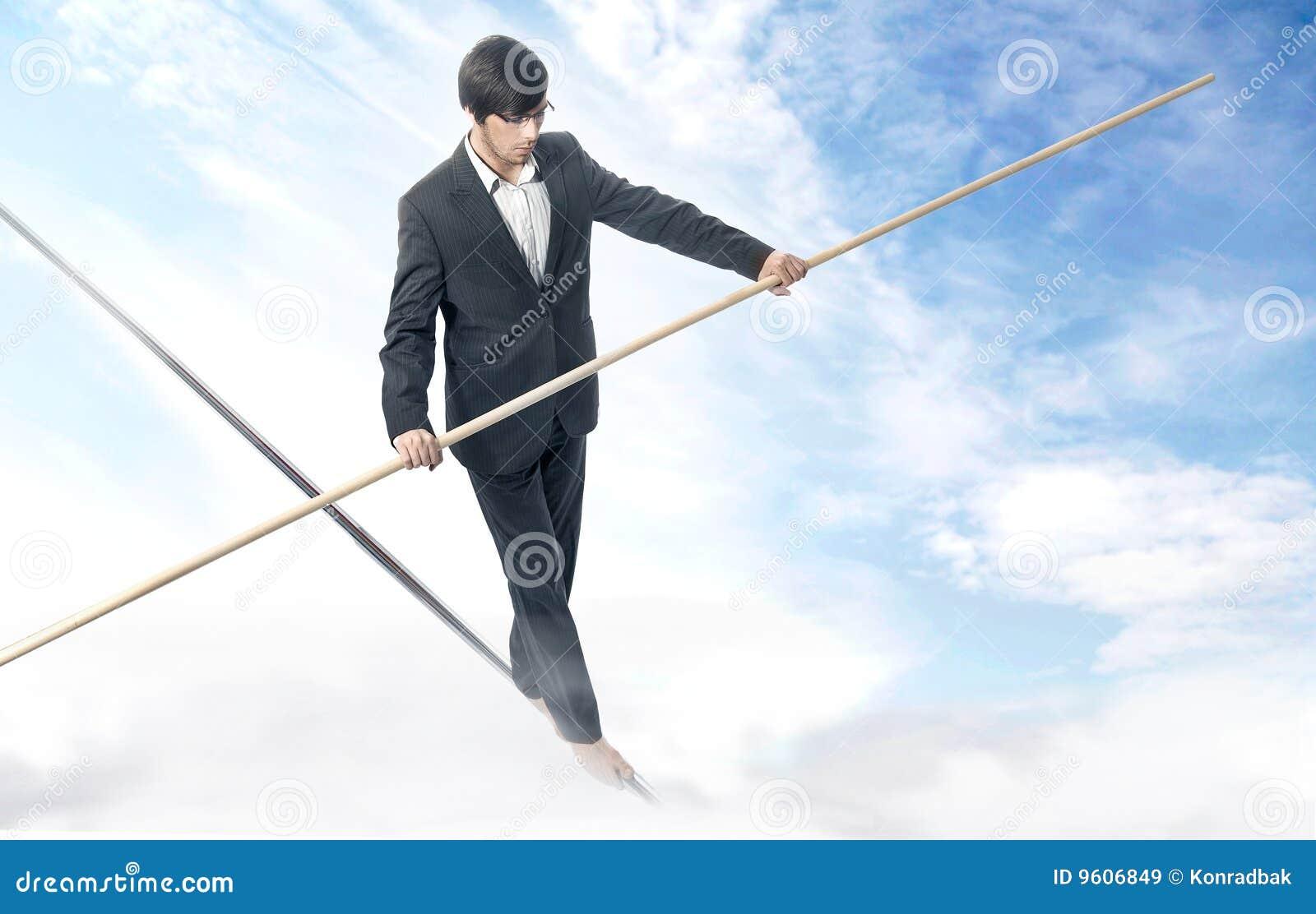 Marchant une corde raide