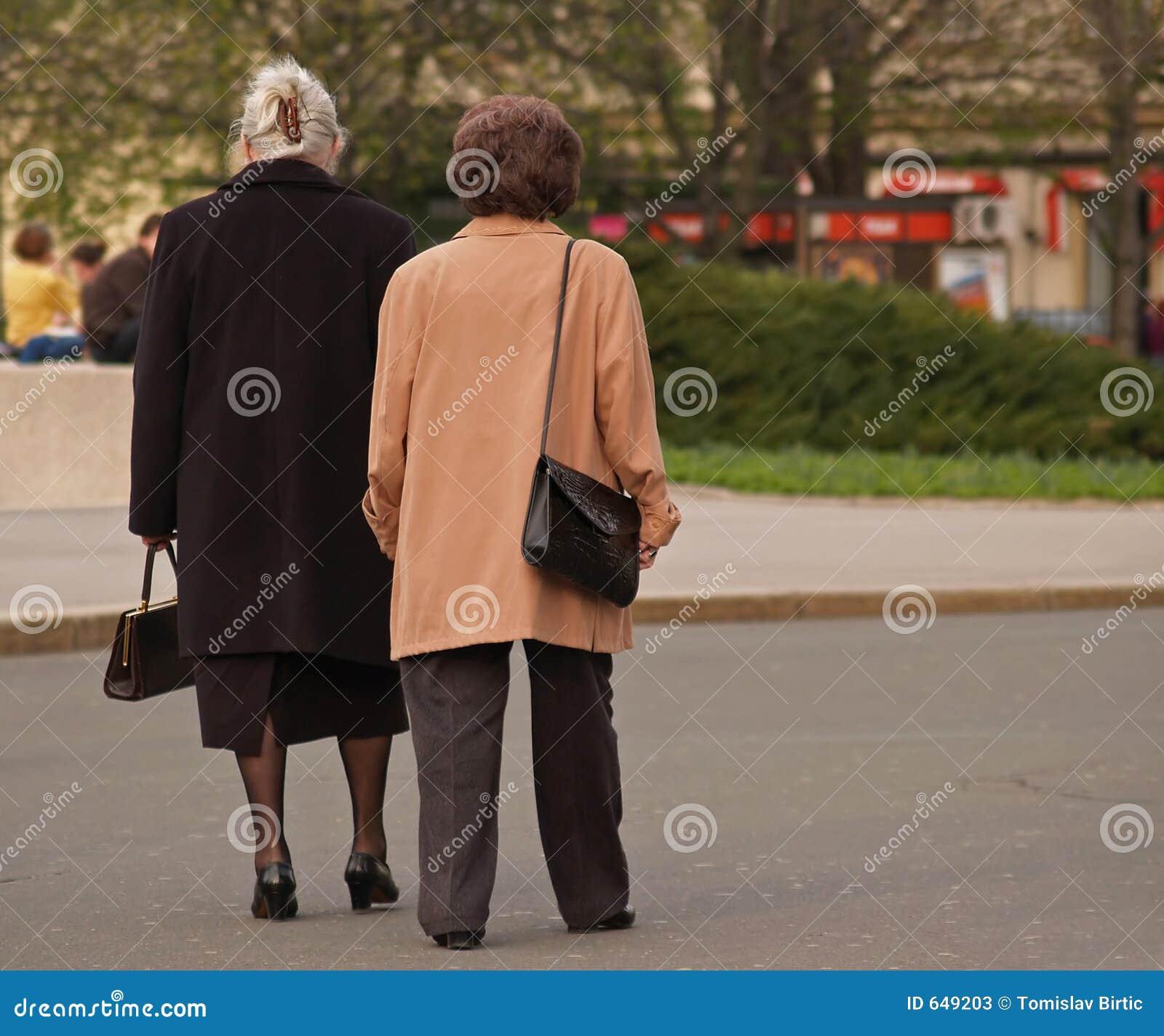Marche de vieilles dames