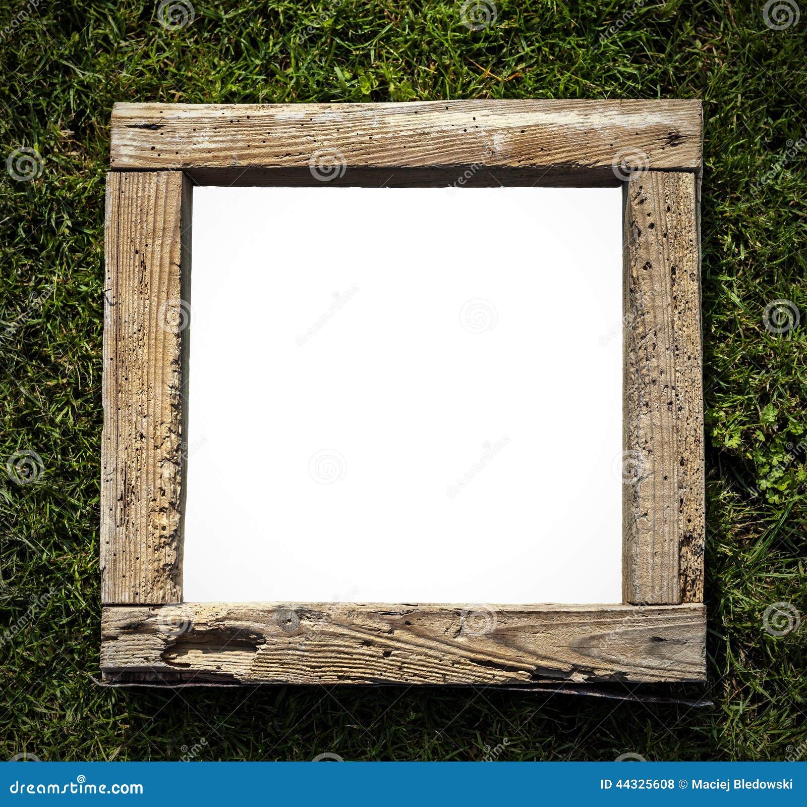 Marco de madera del viejo grunge r stico en la hierba - Transferir fotos a madera ...