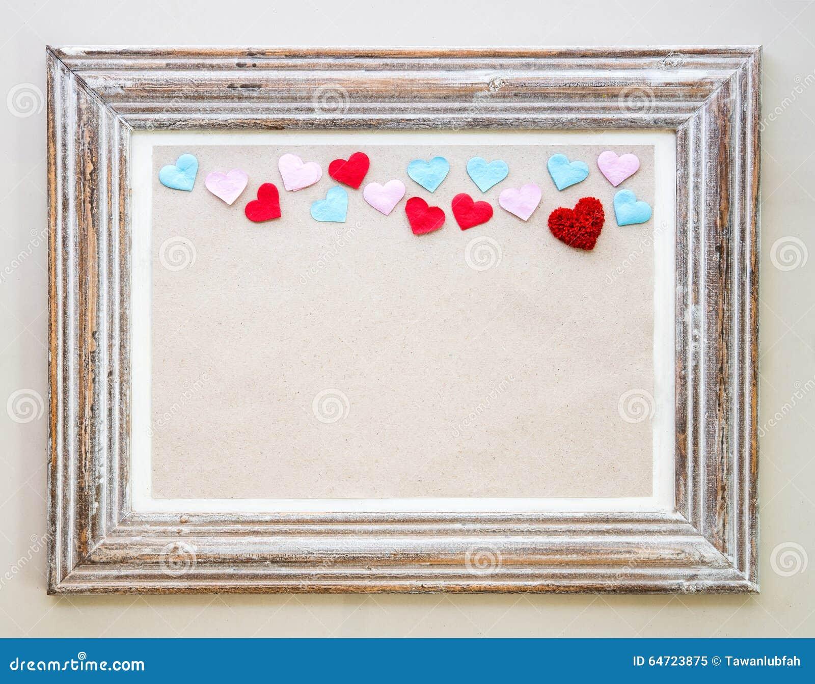 Marco de madera del vintage con los corazones para el for Espejos decorativos marco de madera