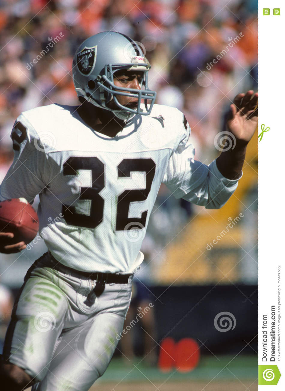 cf3ef7477d0 Oakland Raiders Stock Images - Download 368 Royalty Free Photos