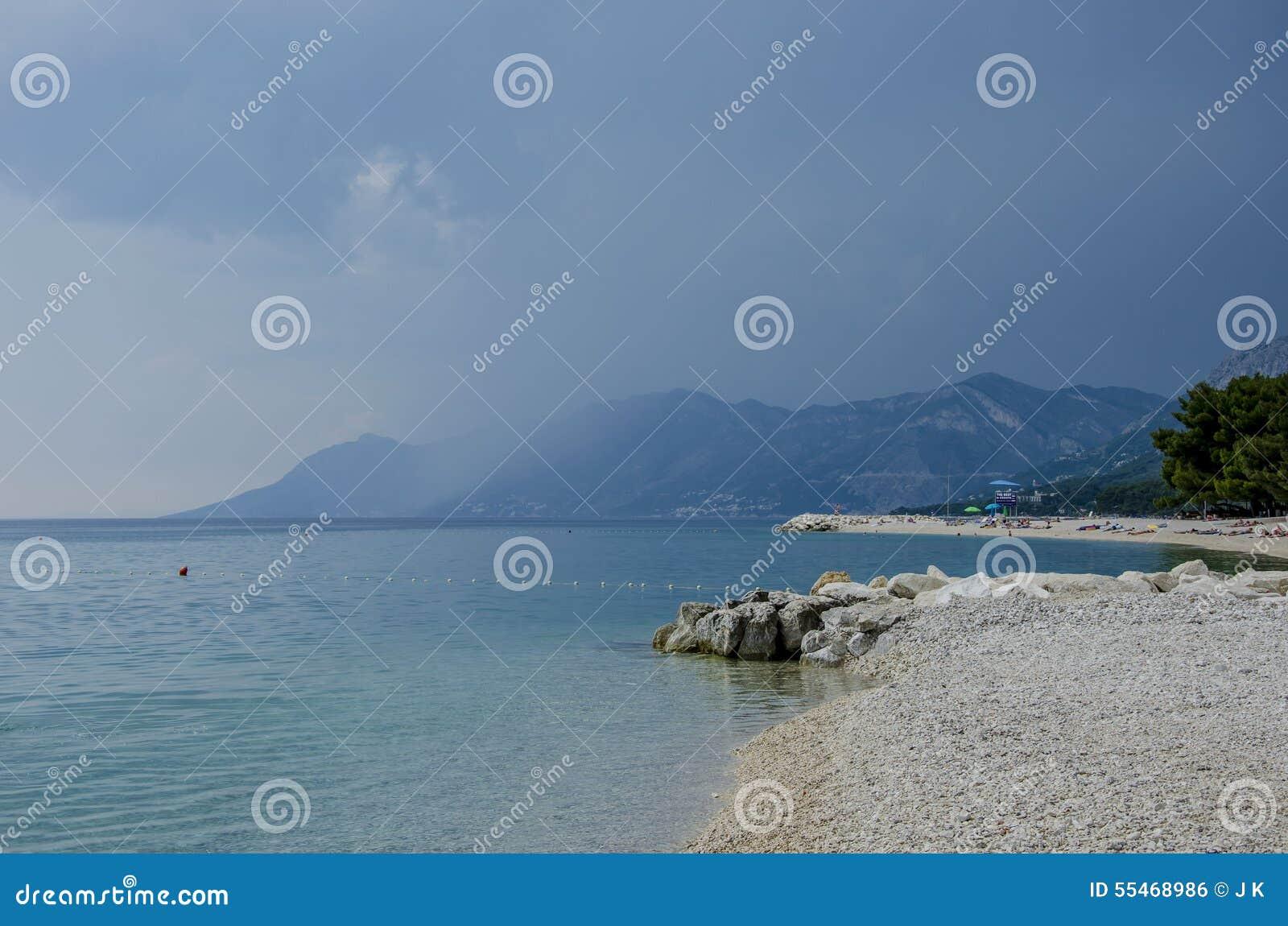 Mare e montagna blu
