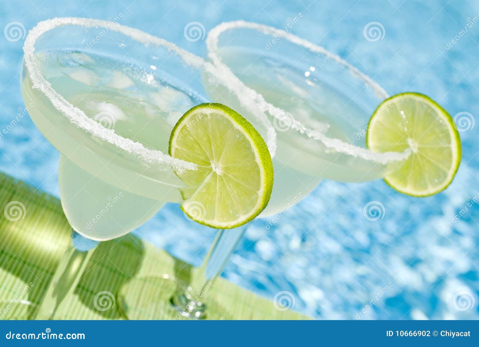 Margarita Cocktail door de Pool