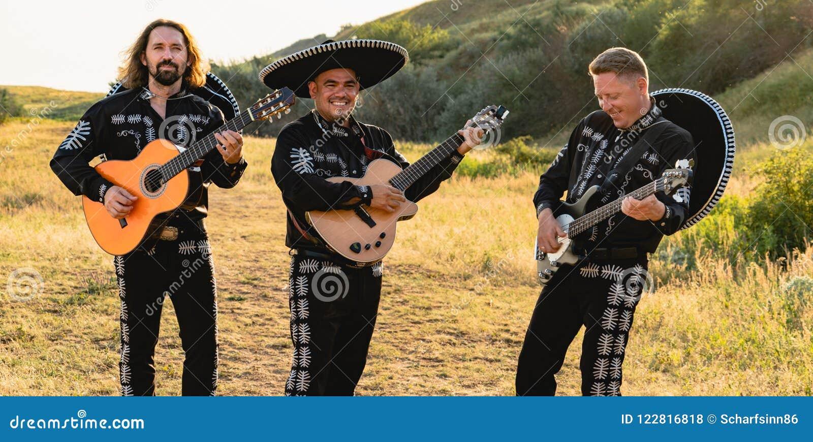 Mariachi mexicano dos músicos