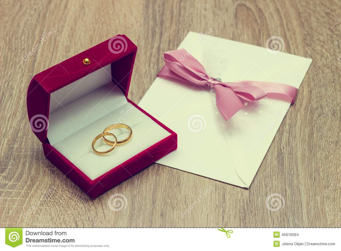 Mariages Ring And Invitation