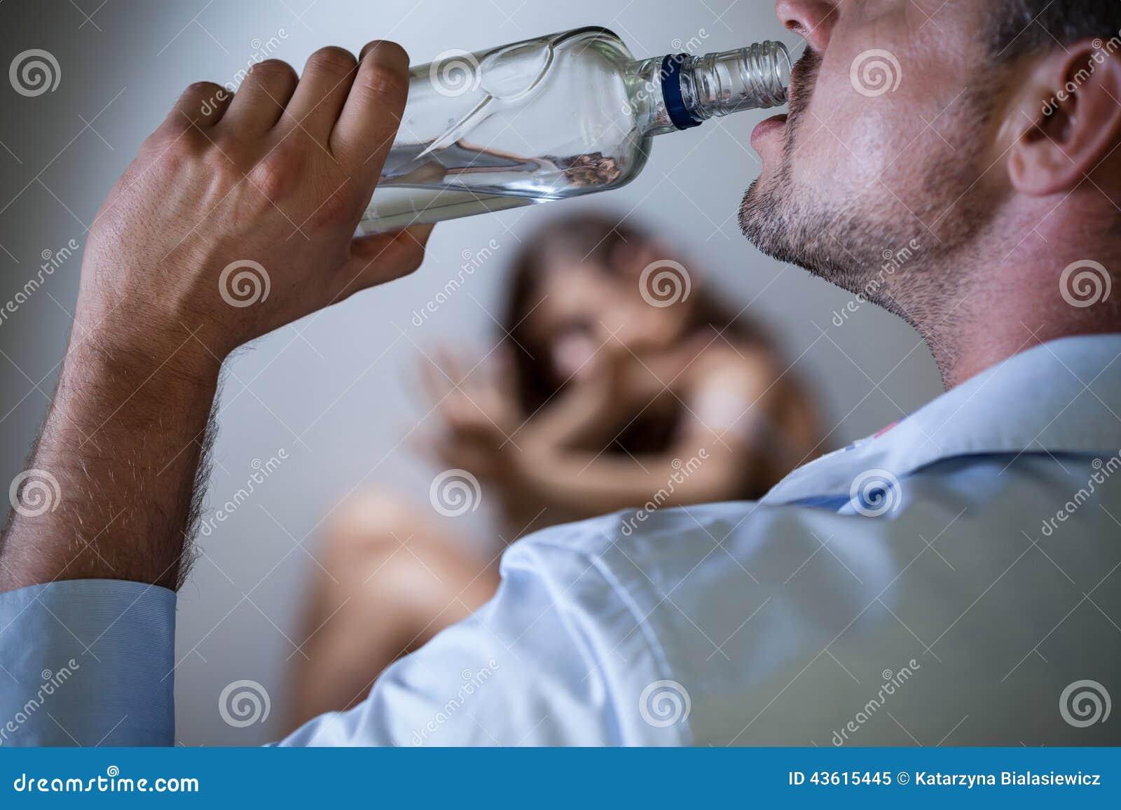 Marido violento com problema alcoólico