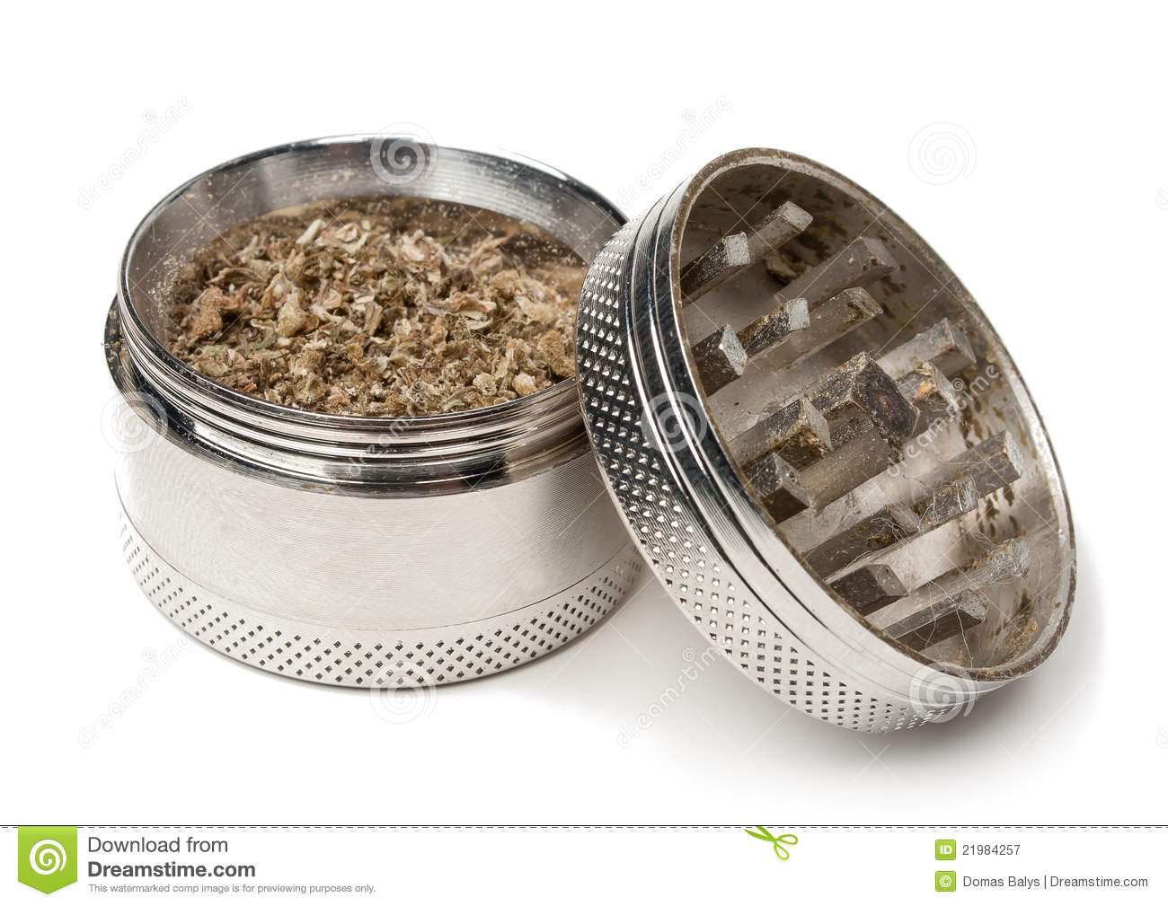 Grinder: A Valuable Part of any Weedist s Utility Belt - Weedist