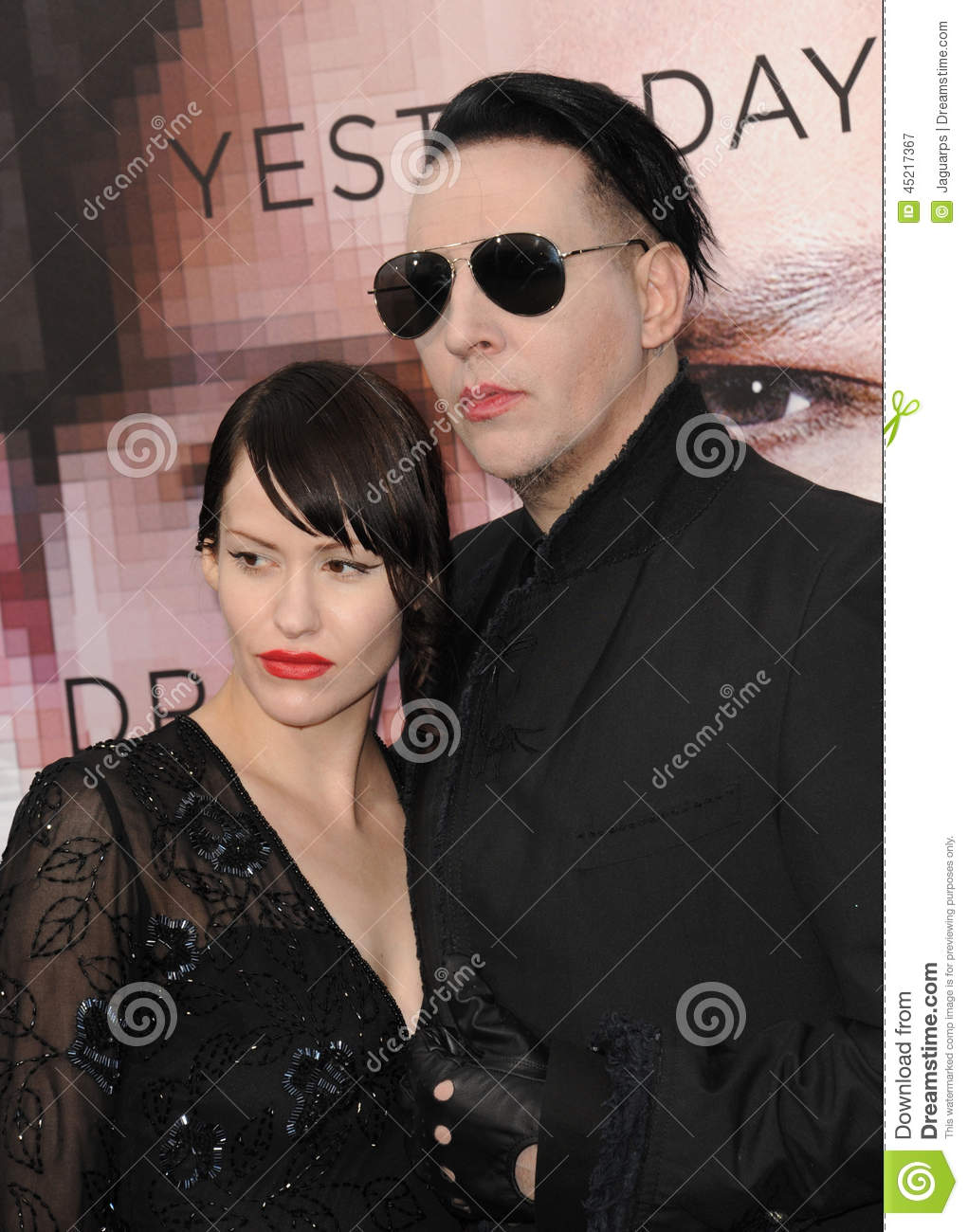 manson dating site Asked to sum up boyfriend marilyn manson's appeal in just one word, evan rachel wood barely hesitates: eyeliner if you've.