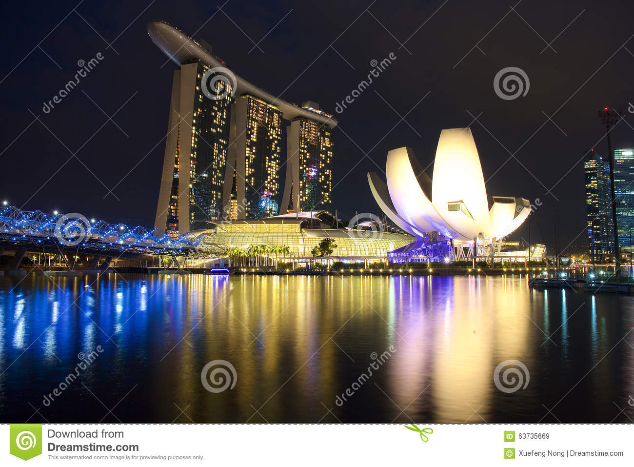 The marina bay sands resort hotel editorial stock image for Most luxurious hotel in singapore