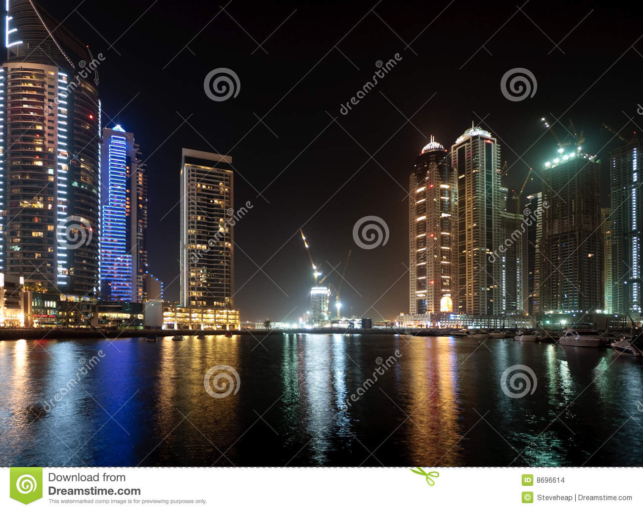 Marina in Dubai at night