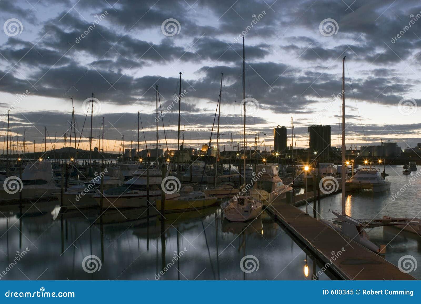 Marina wschód słońca