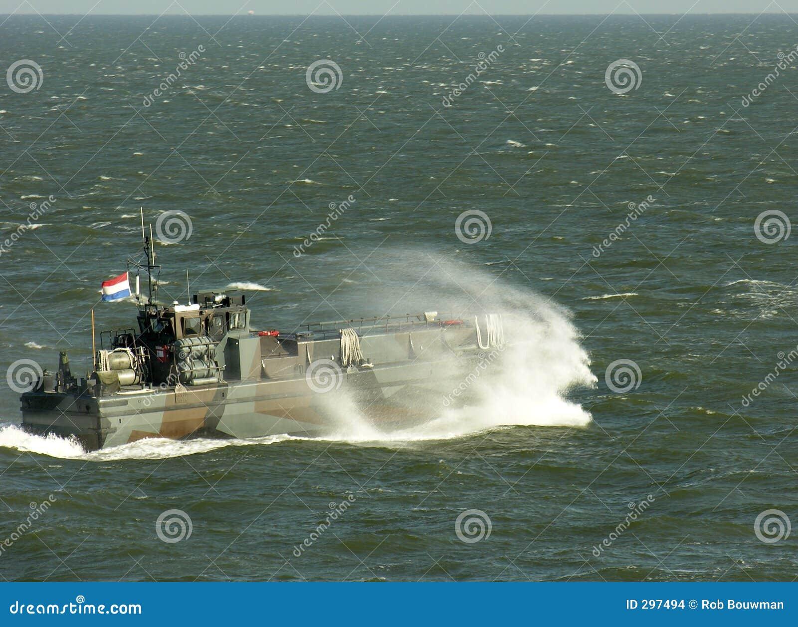 Marine b0at