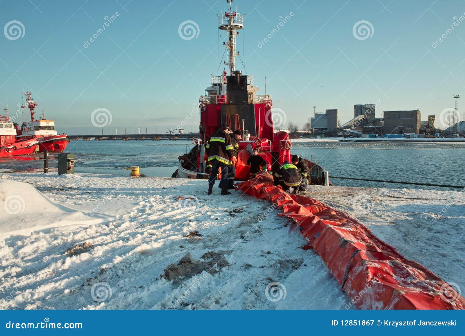 Marine Firefighter Job. Editorial Photography - Image: 12851867