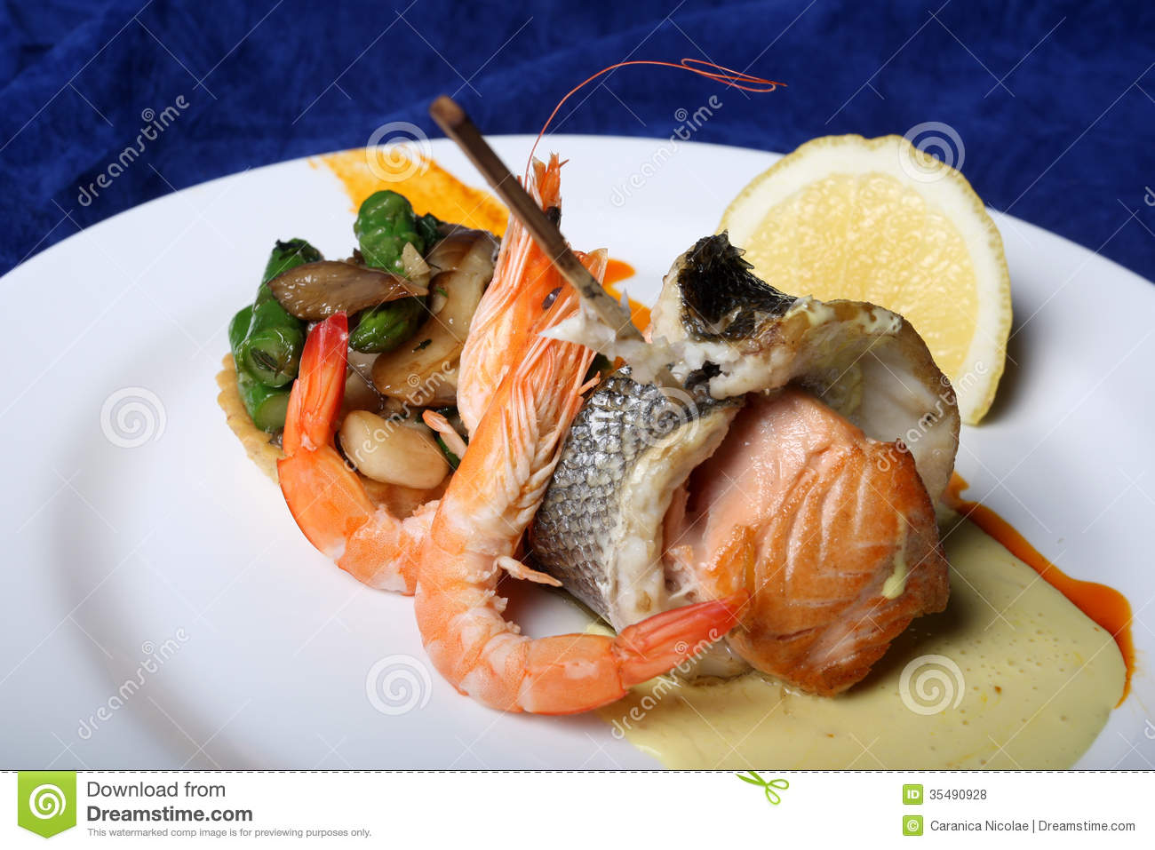 Marine food royalty free stock photos image 35490928 for Saltwater fish food