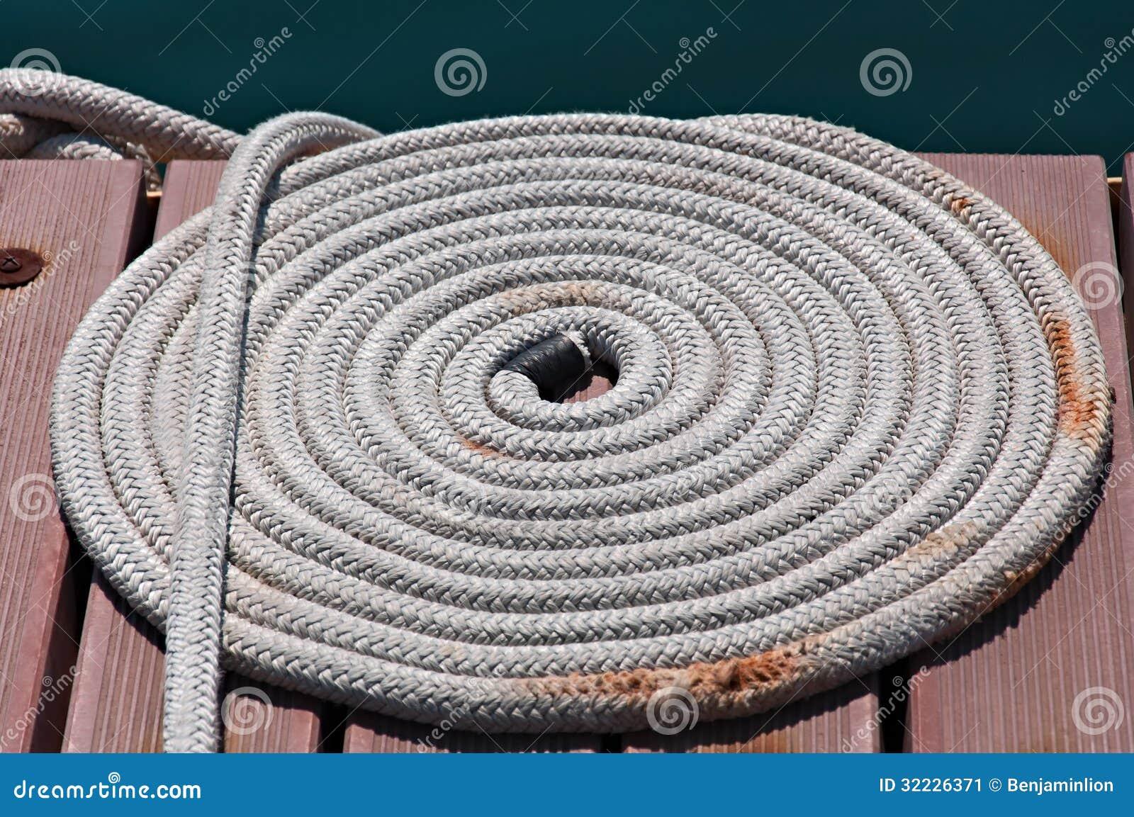 Download Marine Rope imagem de stock. Imagem de barco, neatness - 32226371