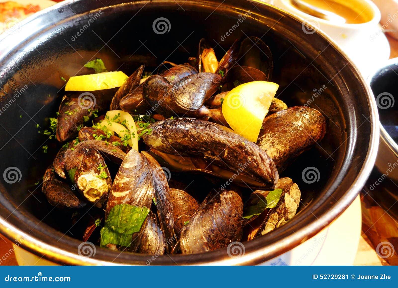 Mariniere De Moules Cuisine Francaise De Style A Paris