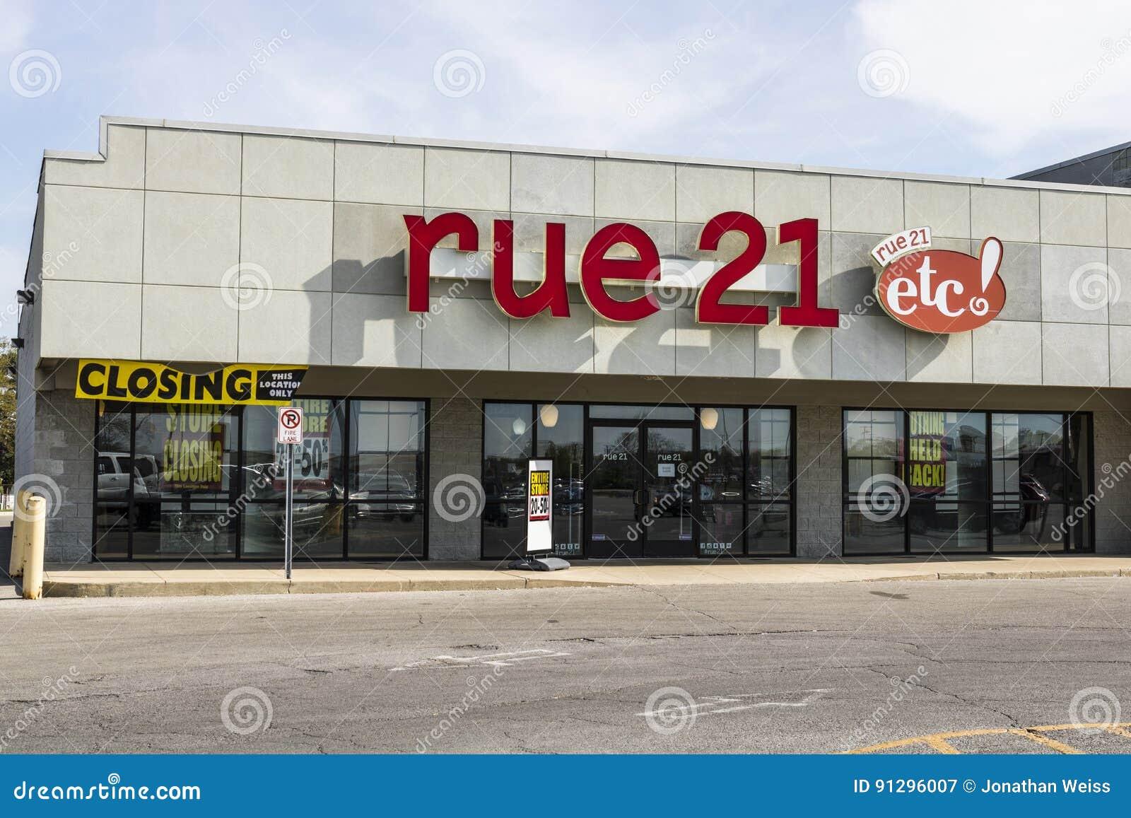 Marion - Circa April 2017: för remsagalleria för detaljhandel rue21 läge rue21 stänger omkring en tredjedel av dess diversehandel