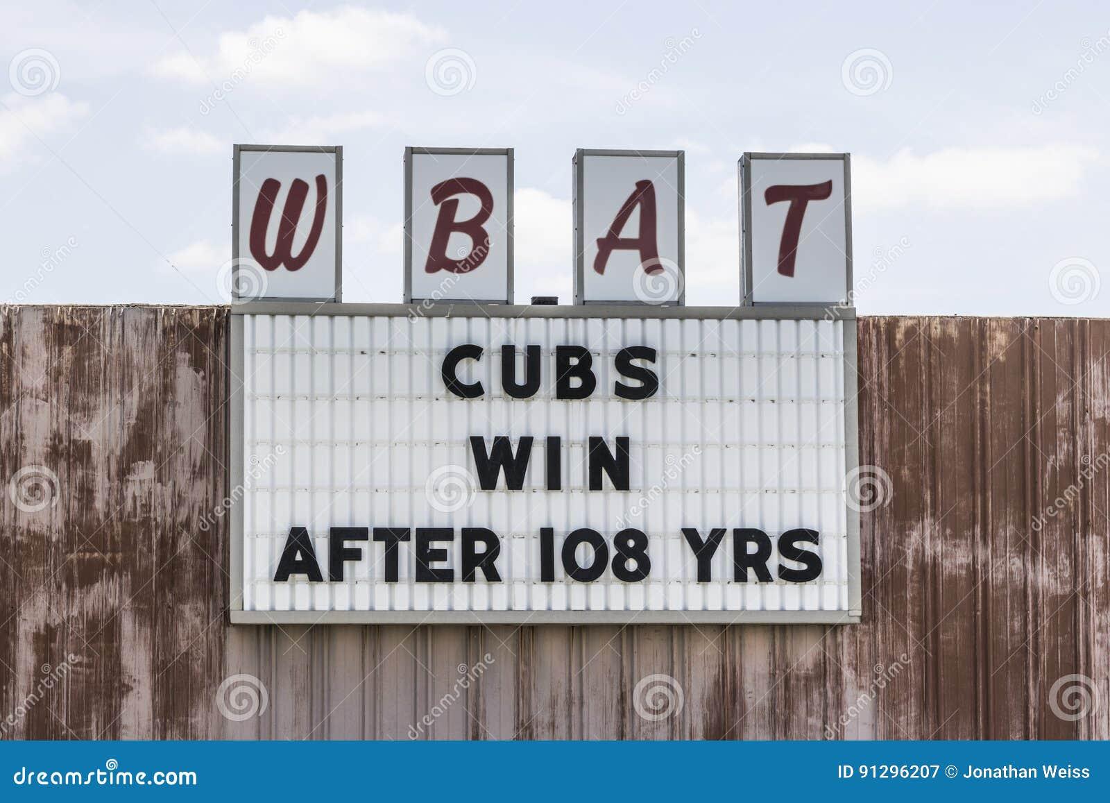 Marion - Circa April 2017: Sportradiostationen WBAT 1400 f.m. firar segern I för Chicago Cubsvärldsserien