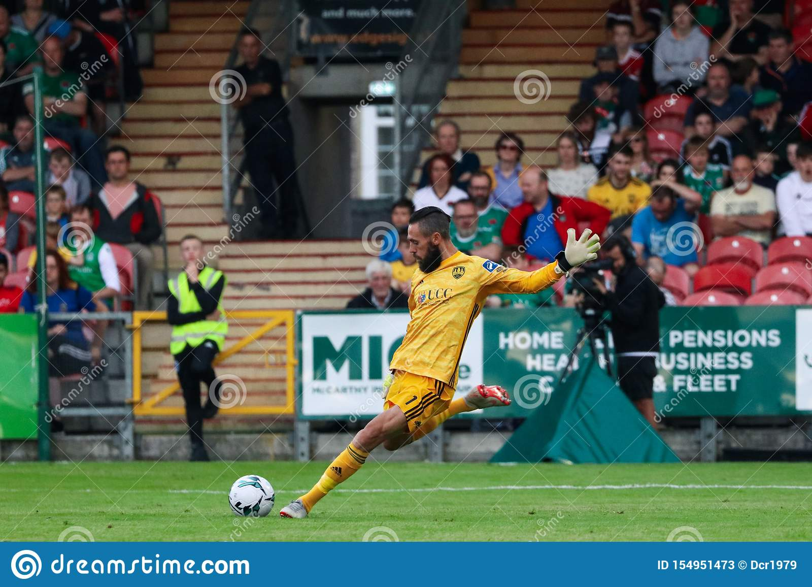 Mark McNulty en la liga del partido de primero ministro Division de Irlanda entre Cork City FC contra St Patricks FC atlético