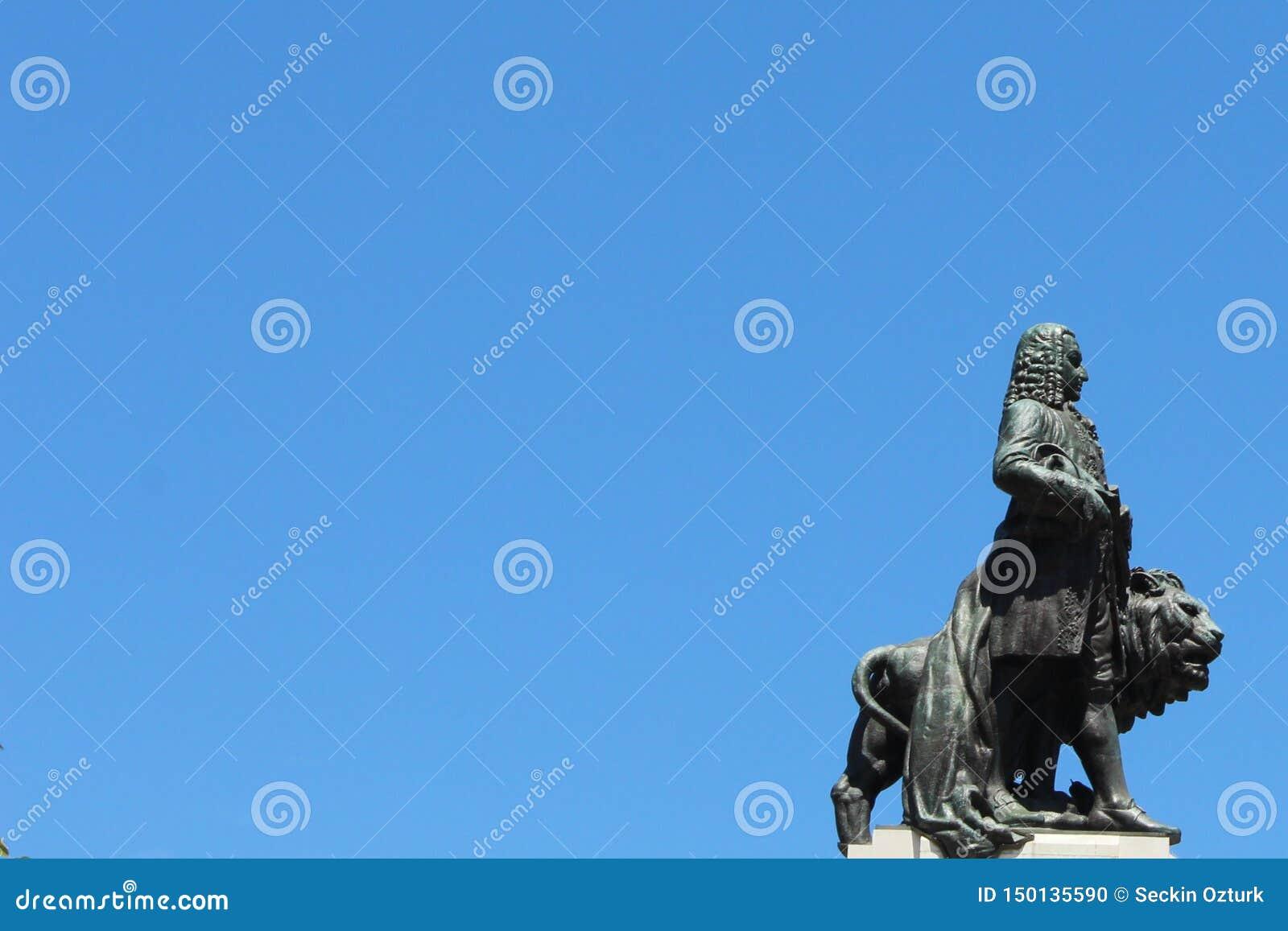Markiz Pompal statua z lwem, Lisbon