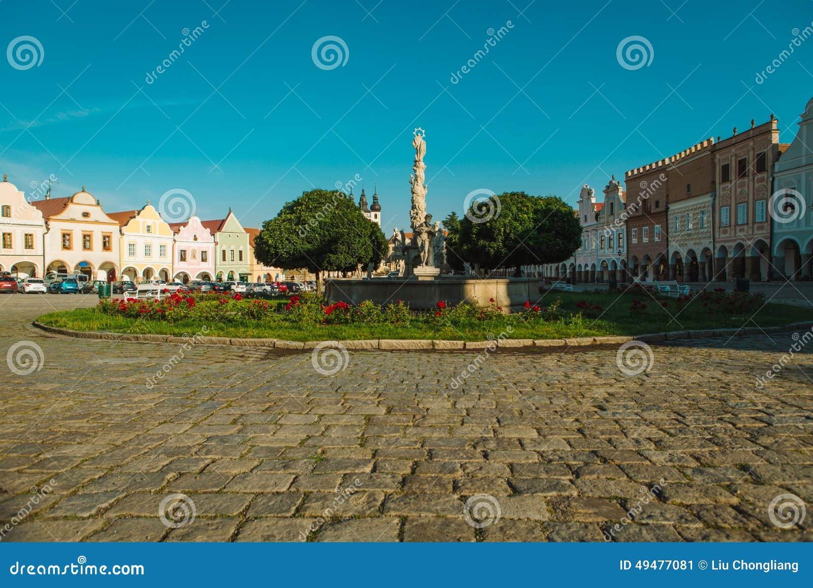 Marktplatz In Telc Mit Renaissance Und Barocken Bunten Häusern ...