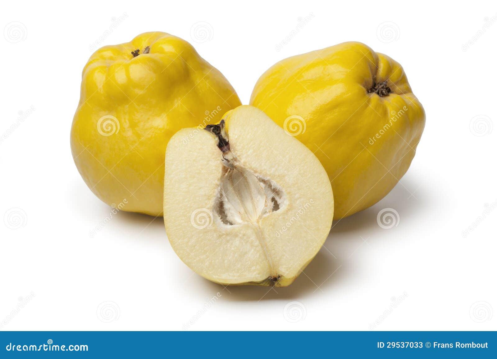 Marmelos inteiros e parcialmente amarelos frescos