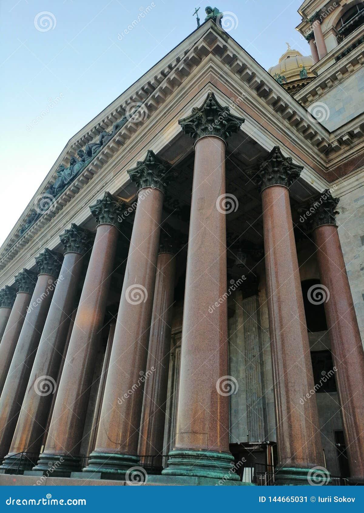 Marmeren kolommen van St Isaac Kathedraal