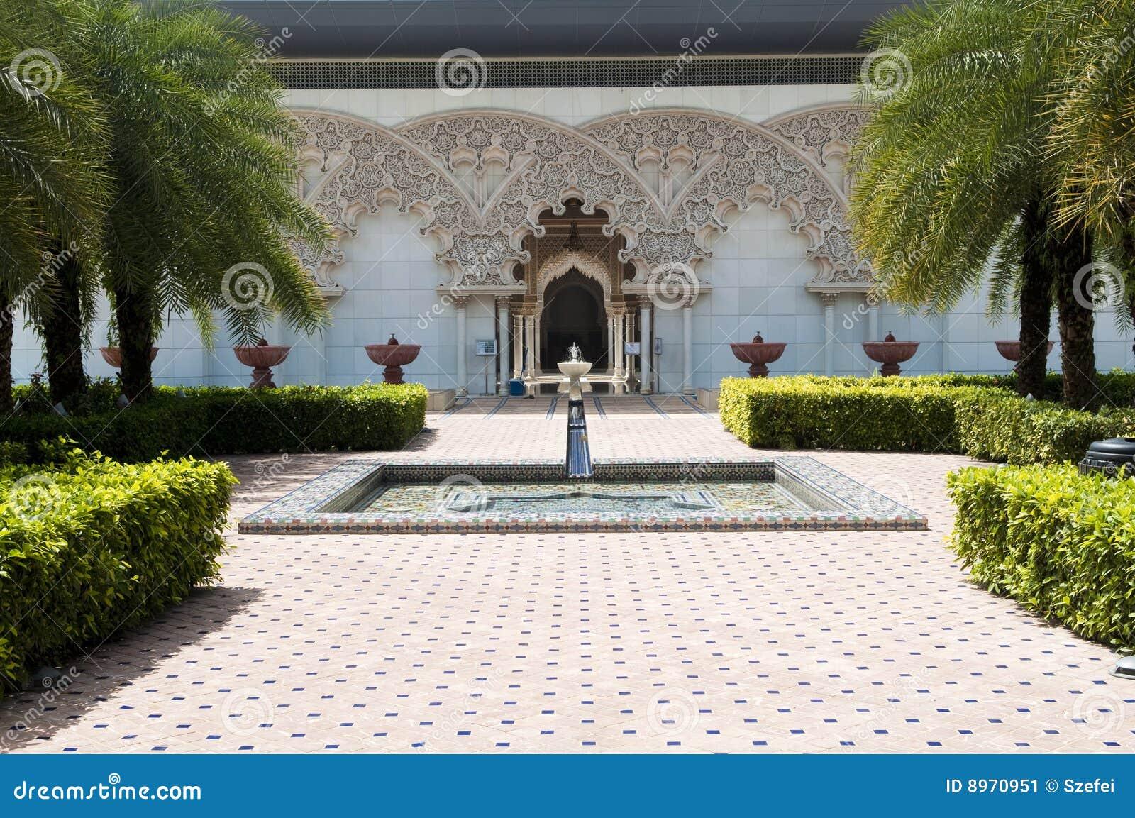 Marocain int rieur de jardin d 39 architecture image stock for Architecture de jardin