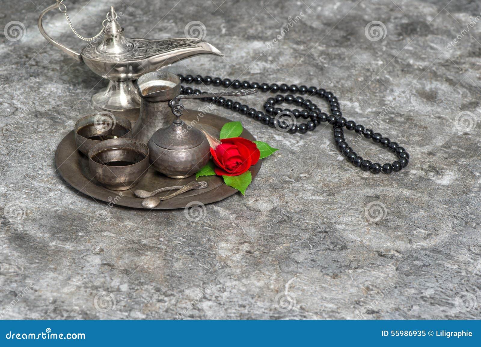 Marockanskt kaffe, rosblomma, arabisk lykta, radband Islamiskt H
