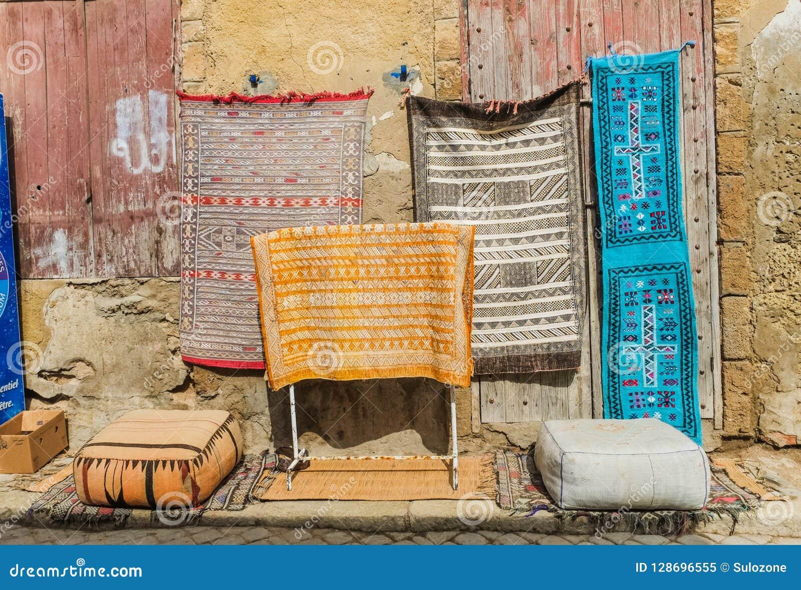 Marokkanische Wolldecken für Verkauf an der Flohmarkt