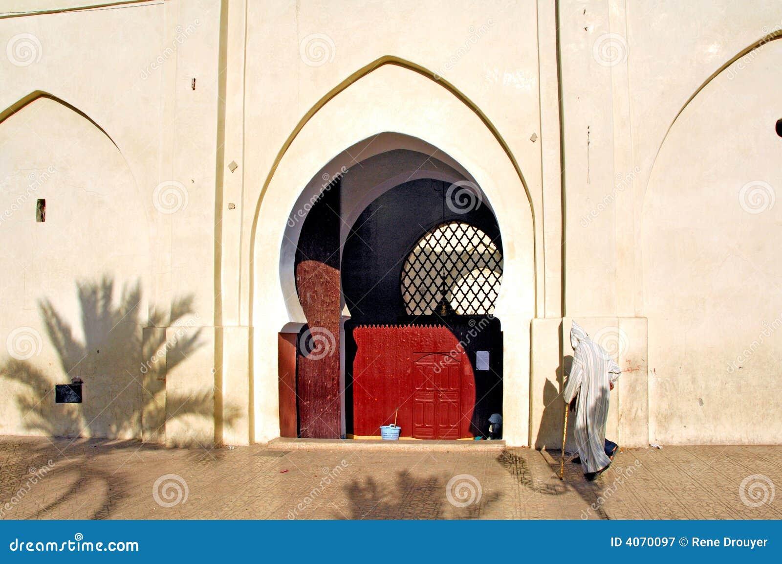 Marrocos, C4marraquexe: Ir à oração
