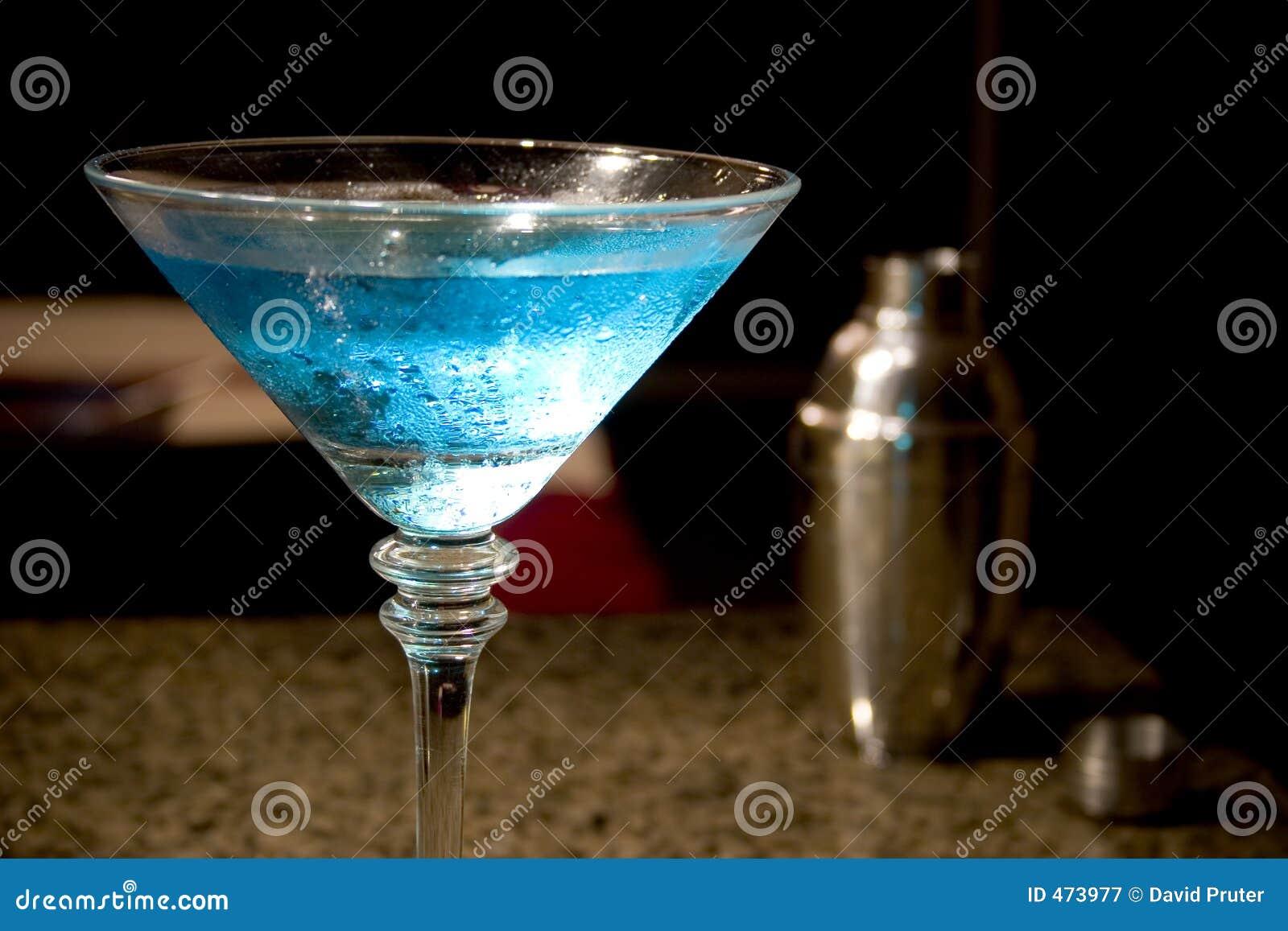 Martini et dispositif trembleur bleus