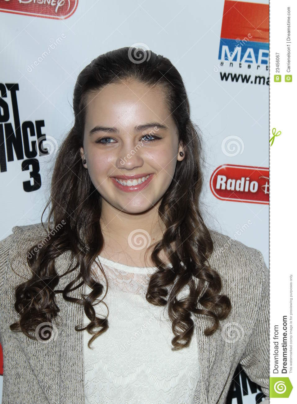 mary mouser twitter