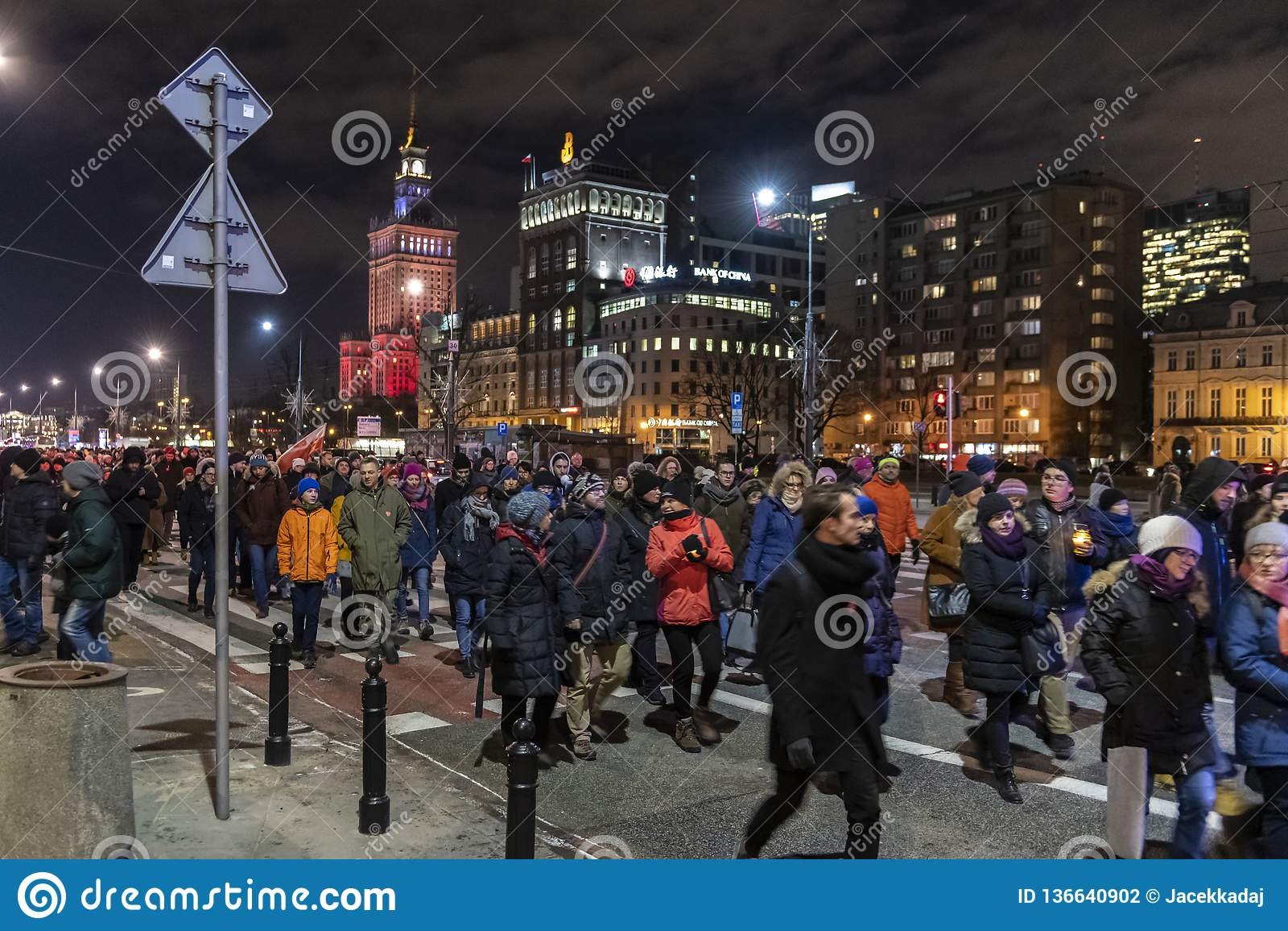 Marzo in commemorazione di sindaco assassinato Adamowicz In Warsaw